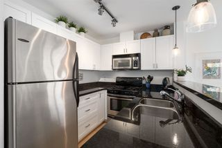 "Photo 5: 202 1586 W 11TH Avenue in Vancouver: Fairview VW Condo for sale in ""Torrey Pines"" (Vancouver West)  : MLS®# R2252699"