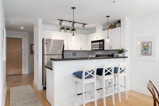 """Photo 4: 202 1586 W 11TH Avenue in Vancouver: Fairview VW Condo for sale in """"Torrey Pines"""" (Vancouver West)  : MLS®# R2252699"""