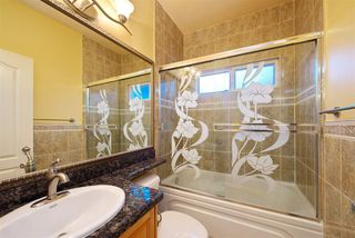 Photo 12: 320 E 60TH Avenue in Vancouver: South Vancouver House for sale (Vancouver East)  : MLS®# R2255862