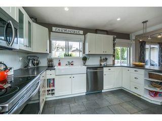 Photo 10: 3056 GLENDALE Place in Abbotsford: Abbotsford East House for sale : MLS®# R2259011