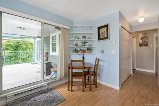 """Photo 3: 314 1189 WESTWOOD Street in Coquitlam: North Coquitlam Condo for sale in """"LAKESIDE TERRACE"""" : MLS®# R2274836"""