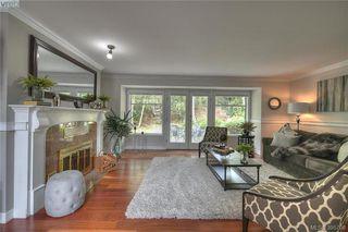 Photo 11: 3343 University Woods in VICTORIA: OB Henderson Single Family Detached for sale (Oak Bay)  : MLS®# 395708