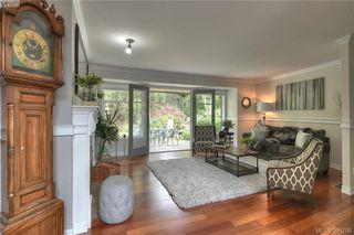 Photo 9: 3343 University Woods in VICTORIA: OB Henderson Single Family Detached for sale (Oak Bay)  : MLS®# 395708