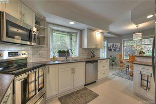 Photo 18: 3343 University Woods in VICTORIA: OB Henderson Single Family Detached for sale (Oak Bay)  : MLS®# 395708