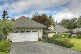 Photo 3: 3343 University Woods in VICTORIA: OB Henderson Single Family Detached for sale (Oak Bay)  : MLS®# 395708