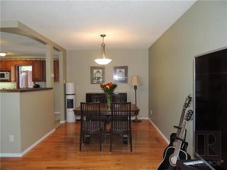Photo 3: 900 Isbister Street in Winnipeg: Crestview Residential for sale (5H)  : MLS®# 1824712