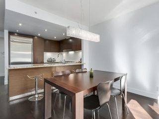 """Photo 5: 105 5958 IONA Drive in Vancouver: University VW Townhouse for sale in """"Argyll House East"""" (Vancouver West)  : MLS®# R2308126"""