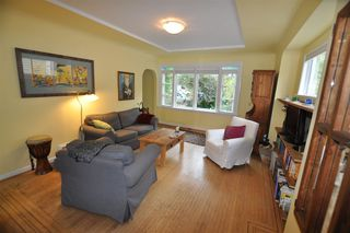 "Photo 2: 1607 E 14TH Avenue in Vancouver: Grandview VE House for sale in ""GRANDVIEW WOODLAND"" (Vancouver East)  : MLS®# R2311671"
