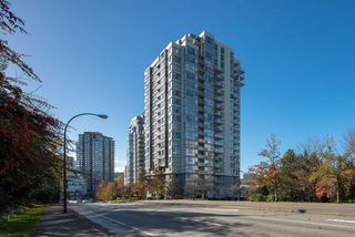 "Photo 14: 2102 235 GUILDFORD Way in Port Moody: North Shore Pt Moody Condo for sale in ""SINCLAIR"" : MLS®# R2321174"