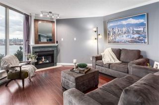 "Photo 6: 703 71 JAMIESON Court in New Westminster: Fraserview NW Condo for sale in ""PALACE QUAY"" : MLS®# R2330240"