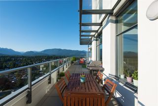 Photo 7: 2704 602 COMO LAKE Avenue in Coquitlam: Coquitlam West Condo for sale : MLS®# R2339062