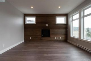 Photo 2: 925 Peace Keeping Crescent in VICTORIA: La Walfred Single Family Detached for sale (Langford)  : MLS®# 406039