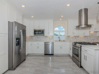 Photo 7: SERRA MESA House for sale : 3 bedrooms : 8405 Fireside Ave in San Diego