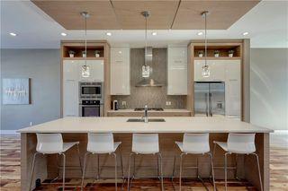 Photo 5: 2019 41 Avenue SW in Calgary: Altadore Semi Detached for sale : MLS®# C4235237