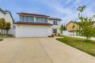 Photo 2: LEMON GROVE House for sale : 3 bedrooms : 2095 BERRYLAND CT