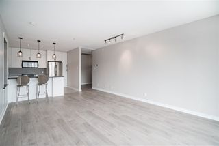 "Photo 8: 1102 1177 HORNBY Street in Vancouver: Downtown VW Condo for sale in ""LONDON PLACE"" (Vancouver West)  : MLS®# R2356455"