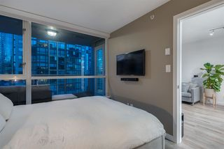 """Photo 9: 1701 1420 W GEORGIA Street in Vancouver: West End VW Condo for sale in """"GEORGE"""" (Vancouver West)  : MLS®# R2356648"""