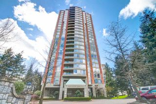 "Main Photo: 801 6888 STATION HILL Drive in Burnaby: South Slope Condo for sale in ""Savoy Carlton"" (Burnaby South)  : MLS®# R2357609"