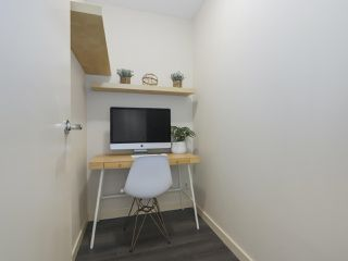 """Photo 5: 2306 977 MAINLAND Street in Vancouver: Yaletown Condo for sale in """"YALETOWN PARK 3"""" (Vancouver West)  : MLS®# R2367819"""