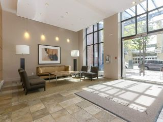 "Photo 10: 2306 977 MAINLAND Street in Vancouver: Yaletown Condo for sale in ""YALETOWN PARK 3"" (Vancouver West)  : MLS®# R2367819"