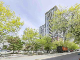 "Photo 11: 2306 977 MAINLAND Street in Vancouver: Yaletown Condo for sale in ""YALETOWN PARK 3"" (Vancouver West)  : MLS®# R2367819"