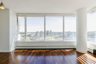 Photo 3: 2202 688 ABBOTT Street in Vancouver: Downtown VW Condo for sale (Vancouver West)  : MLS®# R2369414