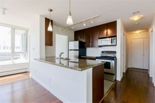 Photo 8: 2202 688 ABBOTT Street in Vancouver: Downtown VW Condo for sale (Vancouver West)  : MLS®# R2369414