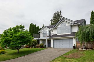 Photo 1: 34647 BALDWIN Road in Abbotsford: Abbotsford East House for sale : MLS®# R2375432