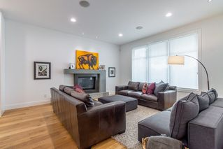 Photo 10: 9803 84 Street in Edmonton: Zone 19 House for sale : MLS®# E4160149