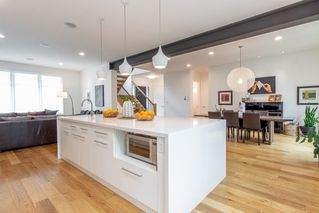 Photo 4: 9803 84 Street in Edmonton: Zone 19 House for sale : MLS®# E4160149