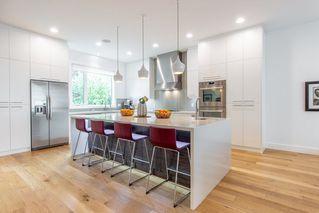 Photo 3: 9803 84 Street in Edmonton: Zone 19 House for sale : MLS®# E4160149
