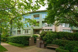 "Main Photo: 405 1705 NELSON Street in Vancouver: West End VW Condo for sale in ""THE PALLADIAN"" (Vancouver West)  : MLS®# R2378397"