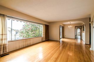 "Photo 4: 6091 GRANT Street in Burnaby: Parkcrest House for sale in ""PARKCREST - KENSINGTON"" (Burnaby North)  : MLS®# R2379467"