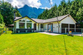 Photo 1: 65932 PARK Avenue in Hope: Hope Kawkawa Lake House for sale : MLS®# R2474671