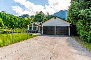 Photo 2: 65932 PARK Avenue in Hope: Hope Kawkawa Lake House for sale : MLS®# R2474671