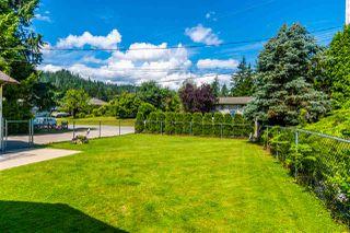 Photo 4: 65932 PARK Avenue in Hope: Hope Kawkawa Lake House for sale : MLS®# R2474671