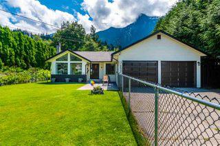 Photo 3: 65932 PARK Avenue in Hope: Hope Kawkawa Lake House for sale : MLS®# R2474671