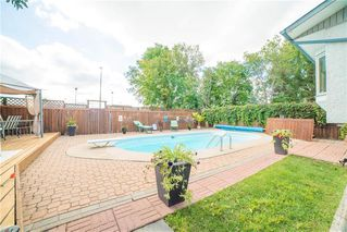 Photo 2: 18 Sandy Lake Place in Winnipeg: Waverley Heights Residential for sale (1L)  : MLS®# 202022781