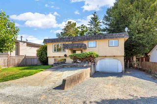 Photo 2: 7564 MAY Street in Mission: Mission BC House for sale : MLS®# R2495667