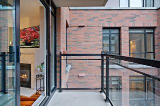 Photo 11: 501 827 Fairfield Rd in : Vi Downtown Condo for sale (Victoria)  : MLS®# 856571