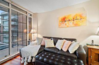 Photo 7: 501 827 Fairfield Rd in : Vi Downtown Condo for sale (Victoria)  : MLS®# 856571