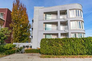 "Photo 1: 303 3505 W BROADWAY Street in Vancouver: Kitsilano Condo for sale in ""COLLINGWOOD PLACE"" (Vancouver West)  : MLS®# R2503438"