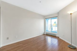 "Photo 15: 303 3505 W BROADWAY Street in Vancouver: Kitsilano Condo for sale in ""COLLINGWOOD PLACE"" (Vancouver West)  : MLS®# R2503438"