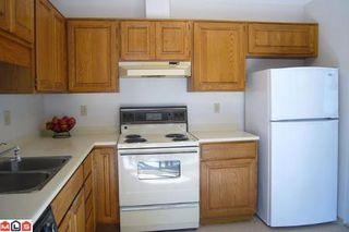 Photo 2: # 211 14950 THRIFT AV in White Rock: Condo for sale : MLS®# F1021085