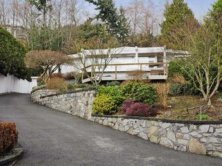 Photo 2: 3185 BENBOW Road in West Vancouver: Westmount WV House for sale : MLS®# V932641