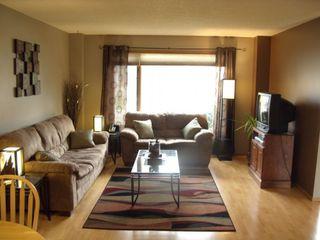 Photo 3: 34 Kennington Bay in Winnipeg: South St Vital Single Family Detached for sale (South Winnipeg)  : MLS®# 1222768