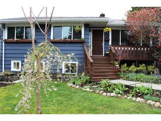 Main Photo: 2725 LYNDENE RD in North Vancouver: Capilano NV House for sale : MLS®# V995182