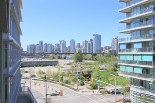 Main Photo: 1708 Columbia Street in Vancouver: False Creek Condo for rent (Vancouver West)