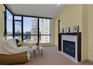 "Photo 5: 703 7388 SANDBORNE Avenue in Burnaby: South Slope Condo for sale in ""MAYFAIR PLACE"" (Burnaby South)  : MLS®# V1108357"