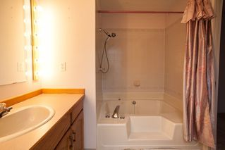 "Photo 10: 210 22356 MCINTOSH Avenue in Maple Ridge: West Central Condo for sale in ""Windsor Crossing"" : MLS®# R2013854"